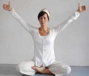 Practicar yoga para afrontar las dificultades de la vida
